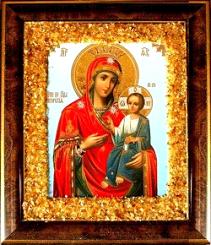Перед иконой Пресвятой Богородицы «Всецарица» молятся об избавлении от раковых заболеваний, избавлении от чар.